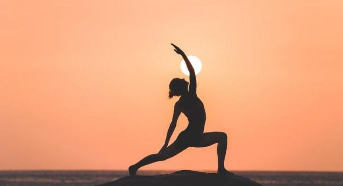 """Breakwater Talks: Français :  """"Духовният мир е щастие, а йога сочи пътя към него"""""""